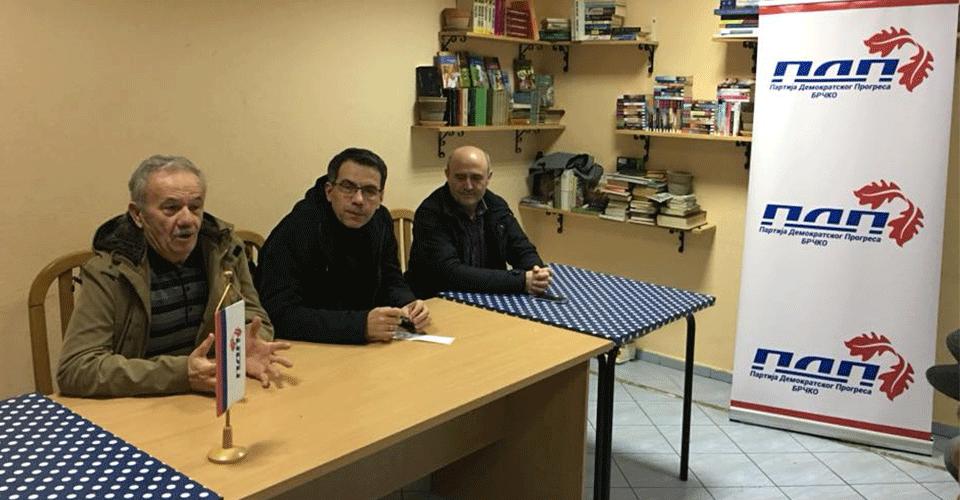 Разговор са мјештанима мјесне заједнице Илићка
